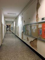 011-EQ2020-Geof-hallway
